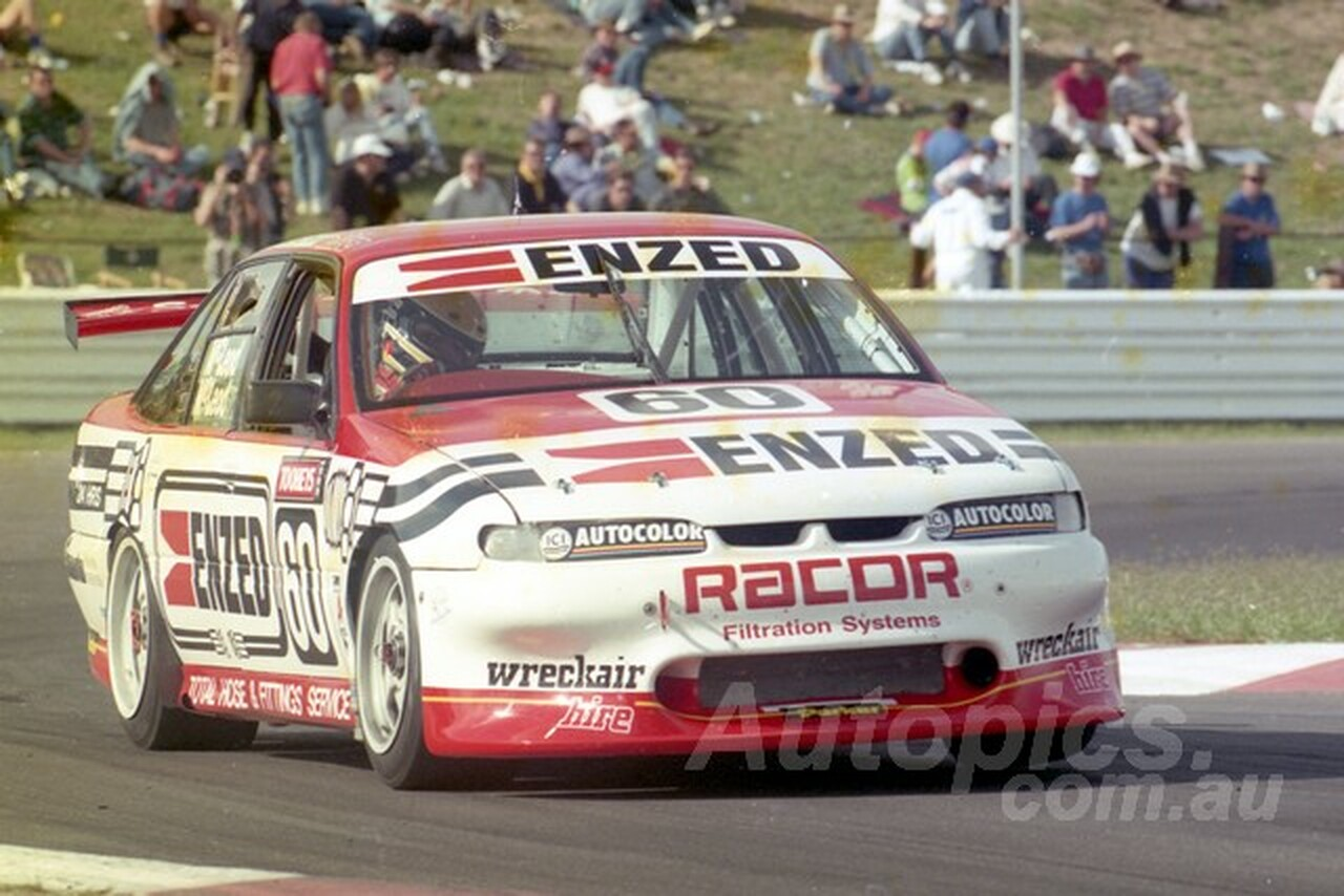 95821 - PETER McLEOD / RYAN McLEOD -  COMMODORE VR -  Tooheys 1000 - Bathurst 1995 - Photographer Marshall Cass