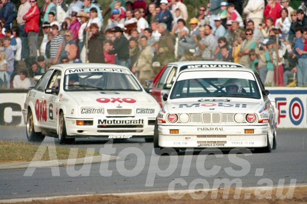 88125 - Peter Brock, BMW M3 & Andrew Miedecke Sierra RS500 - Wanneroo May 1988 - Photographer Tony Burton