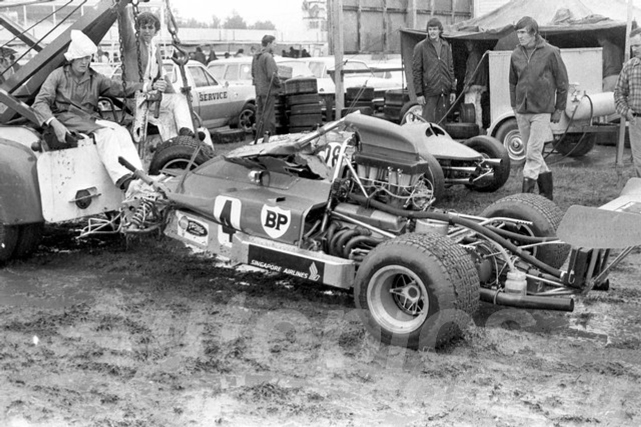 73306 -  Bob Muir Lola T300 - Warwick Farm 1973  - Photographer Lance Ruting
