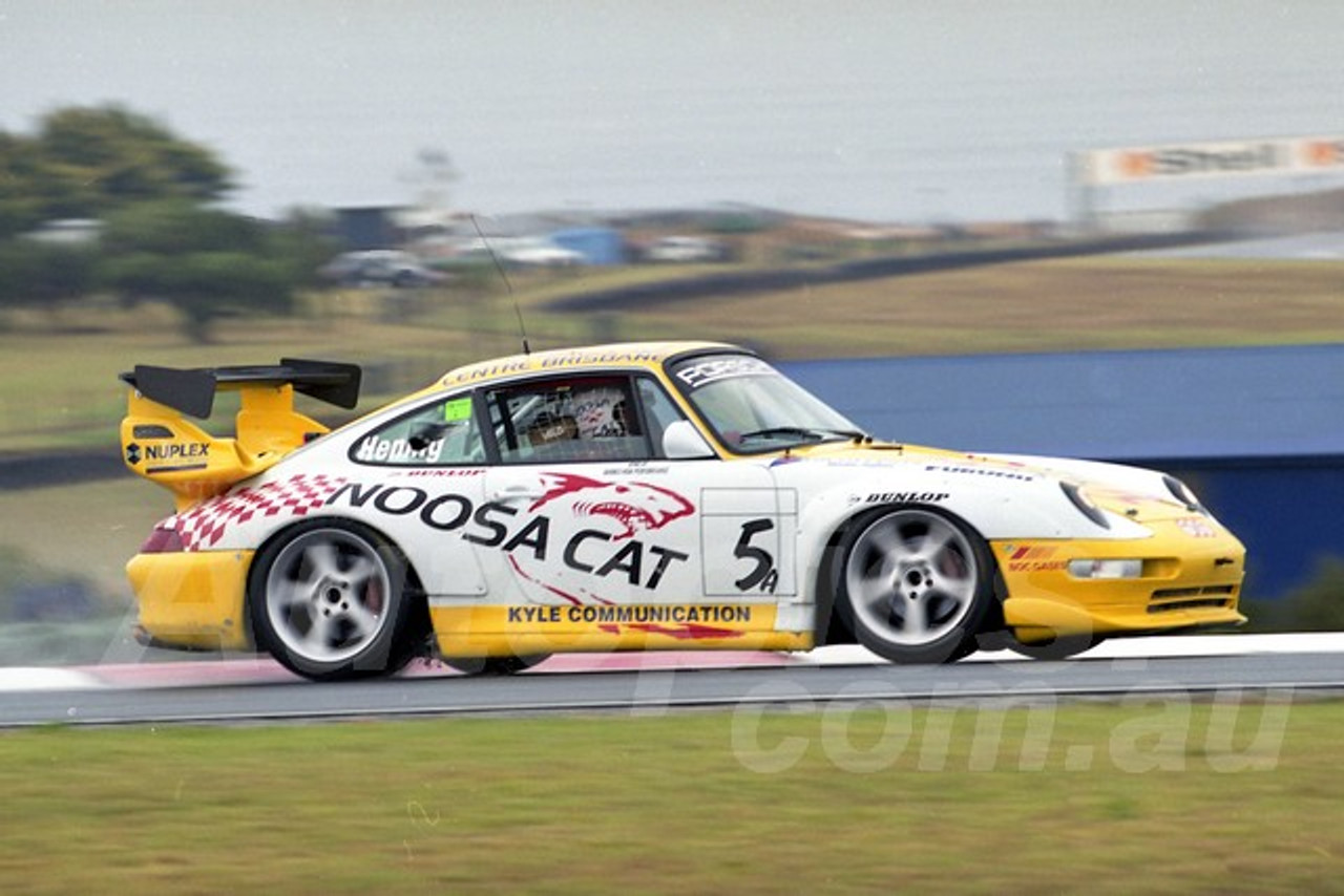 202787 - W. Hennig, Porsche 993 GT2 - Phillip Island 2002 - Photographer Marshall Cass