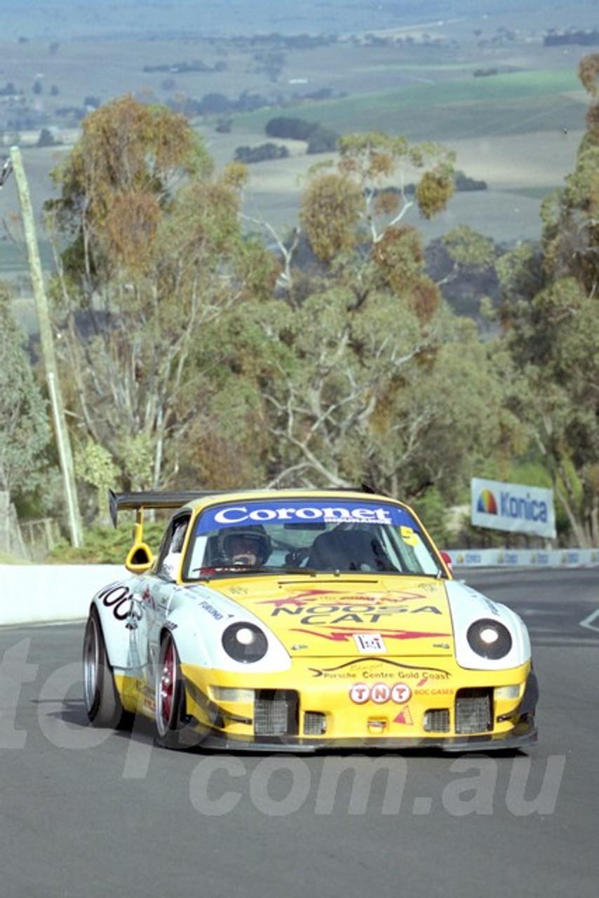 202804 - Wayne Hennig - Porsche GT2 - Bathurst 13th October 2002 - Photographer Marshall Cass
