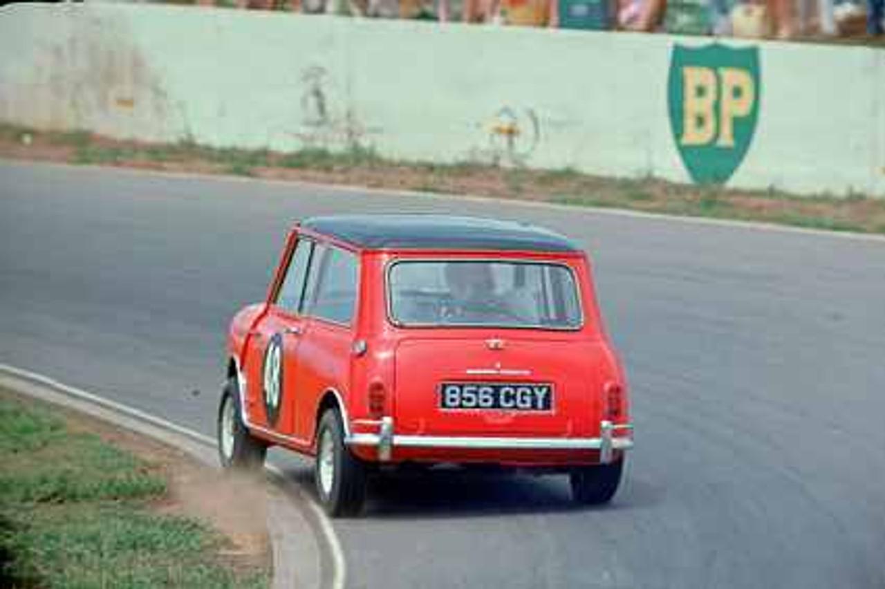 67051 - David Haldane Morris Cooper S - Oran Park  1967 - Photographer Richard Austin