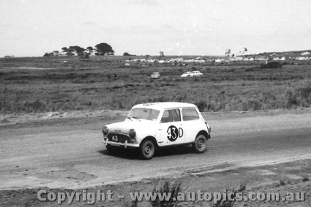 62726 -   W. Shepherd / R. Morris  - Morris 850 Sports - Armstrong 500 - Phillip Island 1962