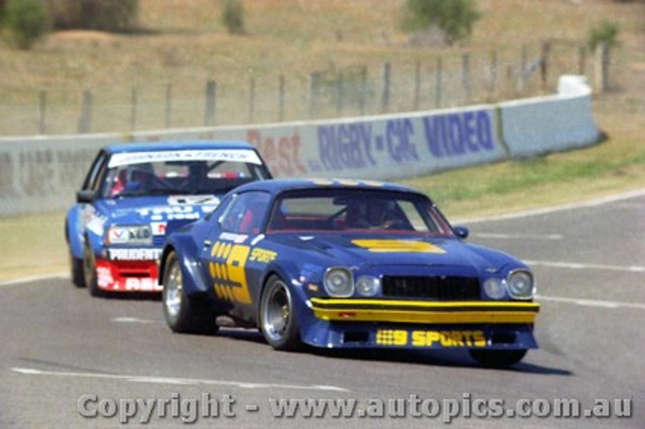 82744  -  K. Bartlett / C. Bond  -  Bathurst 1982 - Camaro