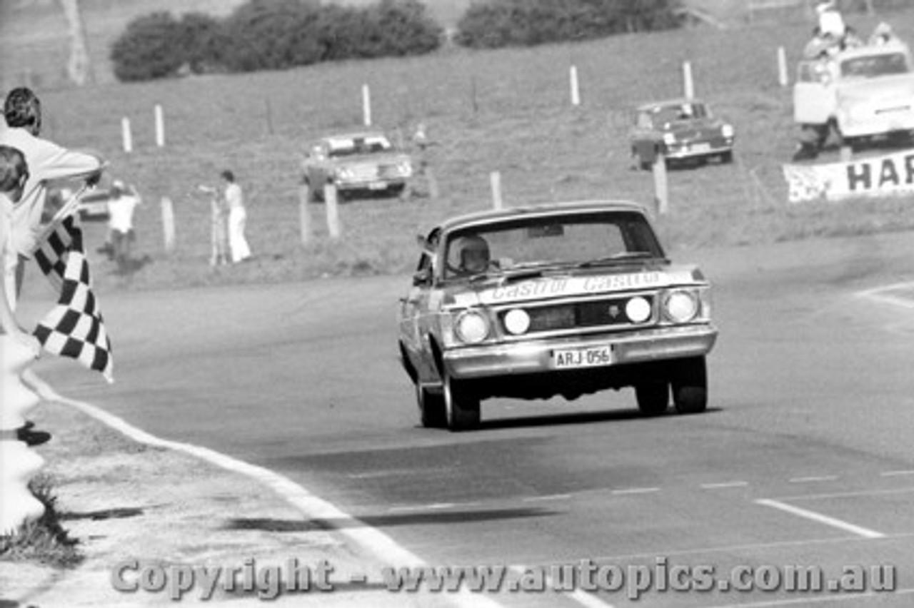 69749 - C. Smith / W. Ford  -  XW  Ford Falcon GTHO Auto - Bathurst 1969