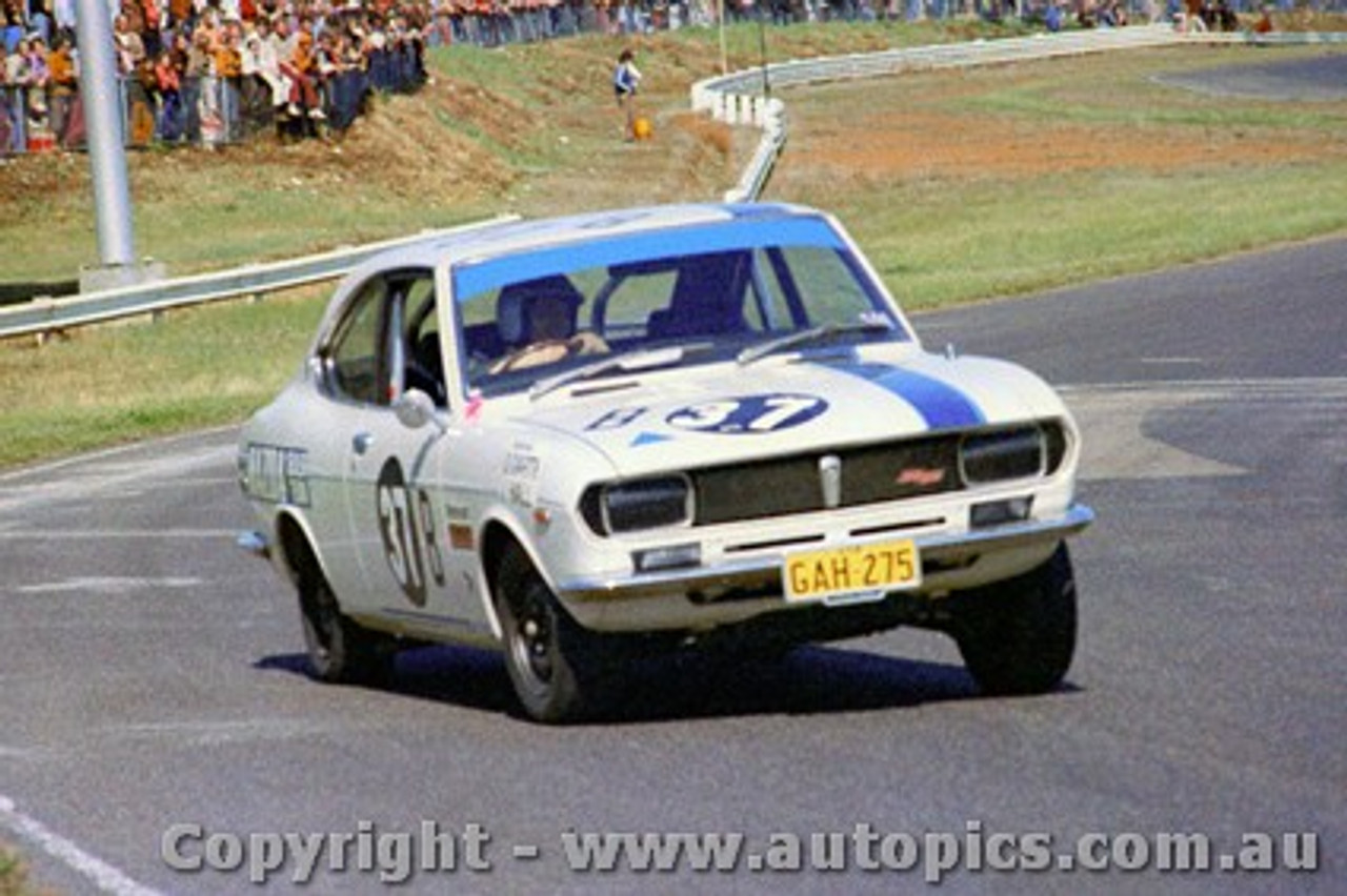 72191 - Wayne Rogerson Mazda Capella - Sandown  9th September 1972
