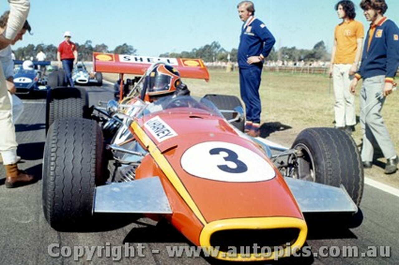 70571 - John Harvey - Jane Repco V8 - Warwick Farm 6th September 1970