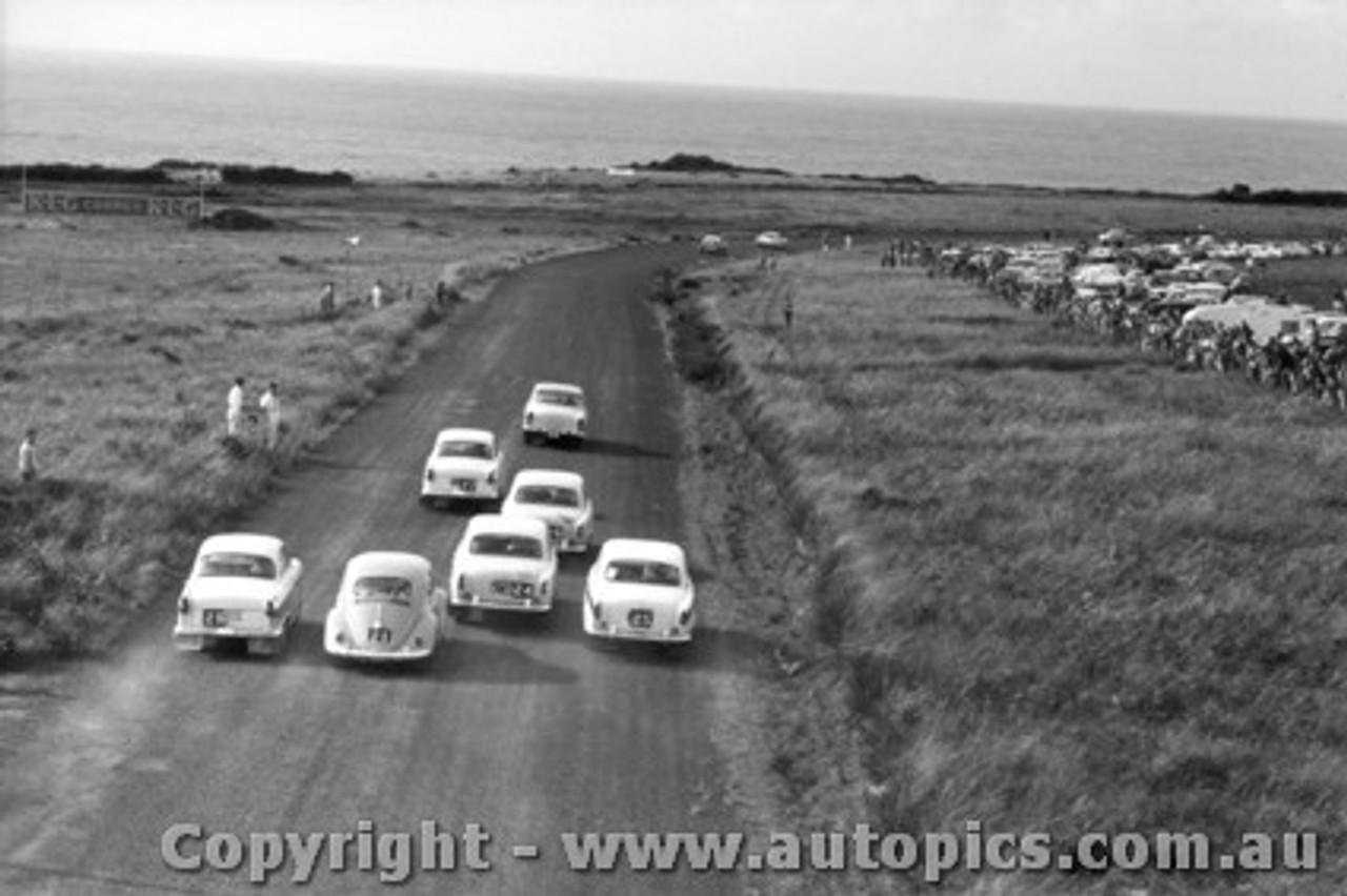 61727 - Start of the Armstrong 500 Phillip Island 1961 - Class C -  Morris Major / Simca Elysee / Peugeot 403 / Volkswagen