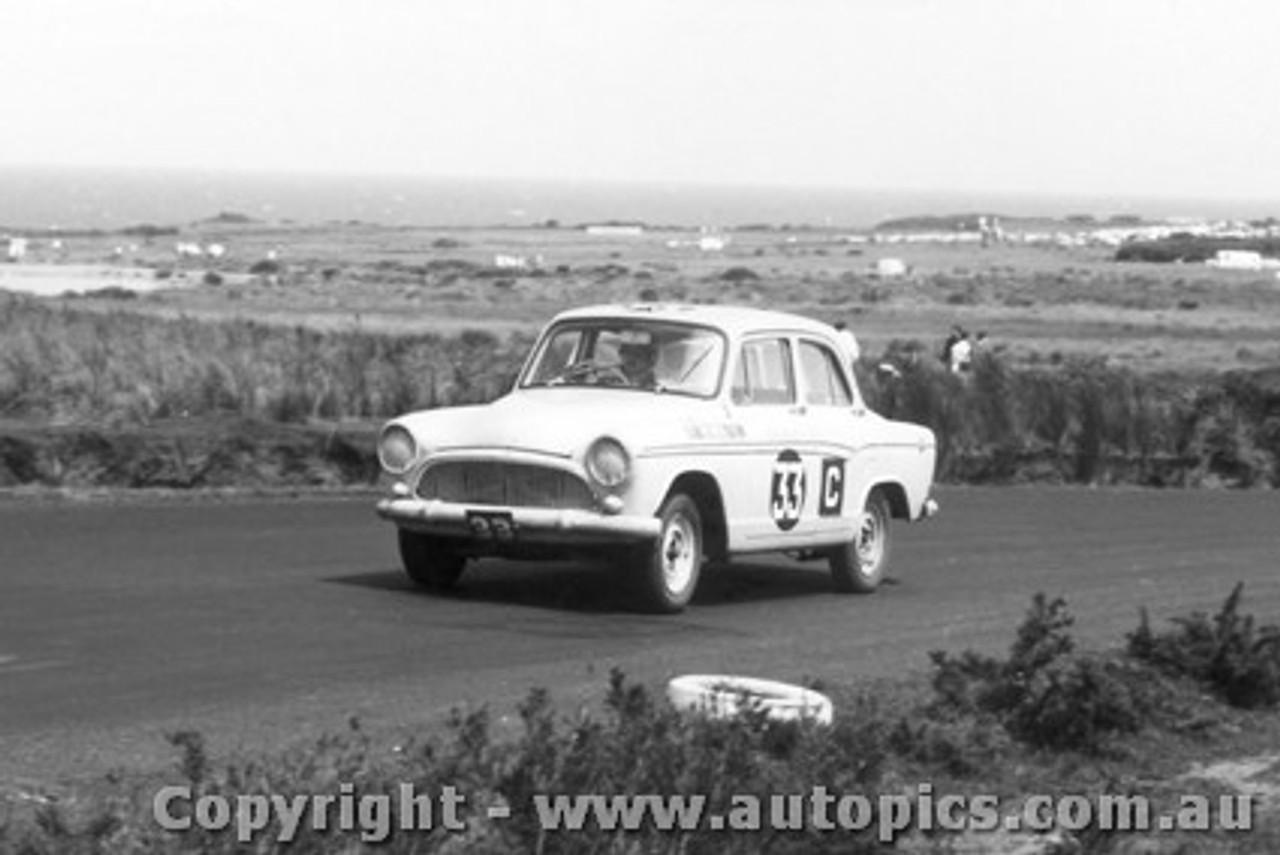 62741 - Diana Leighton / Anne Bennett / Pam Murison - Simca - Armstrong 500 - Phillip Island 1962