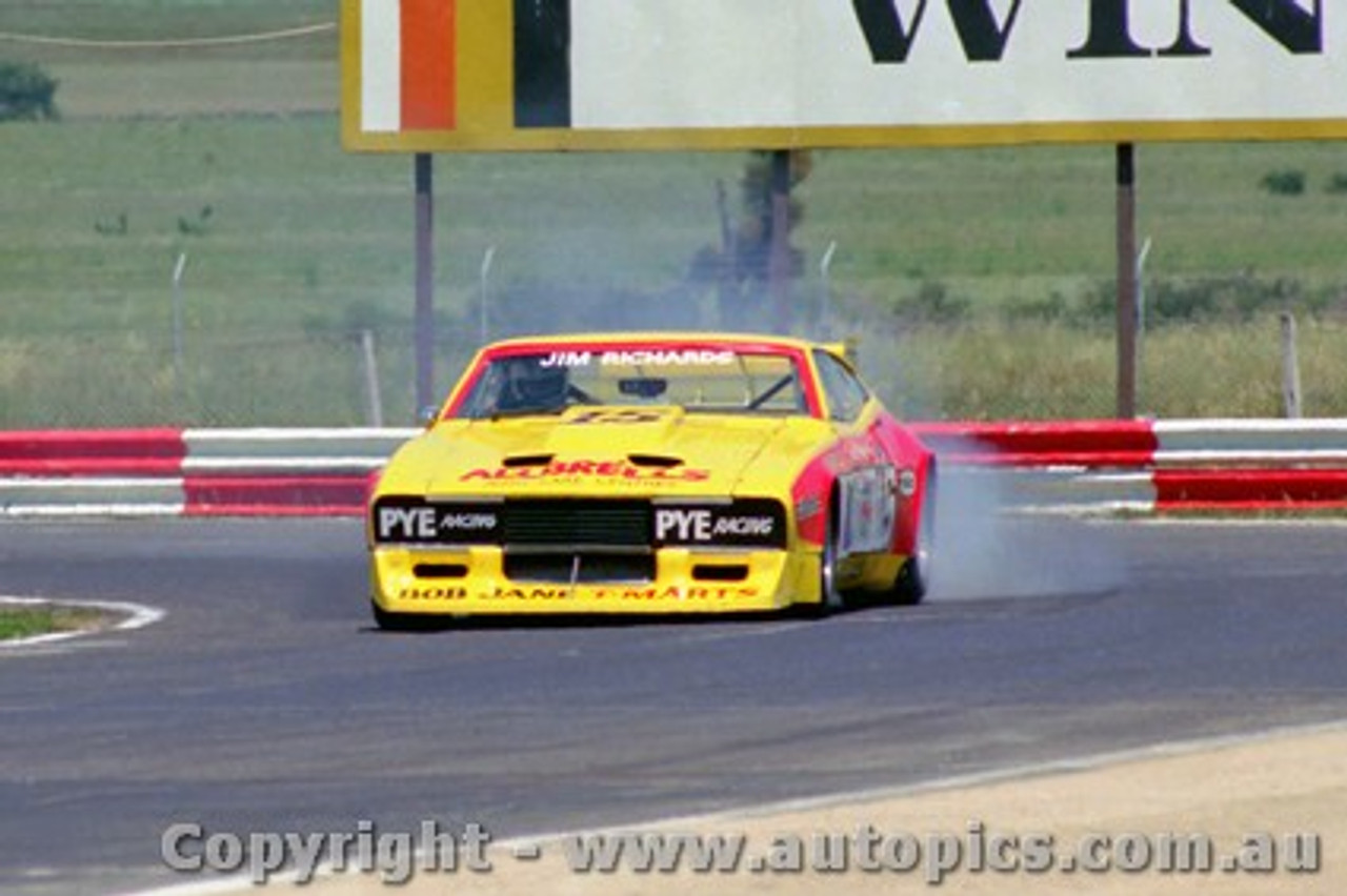 81028 - Jim  Richards Ford Falcon - Calder 1981