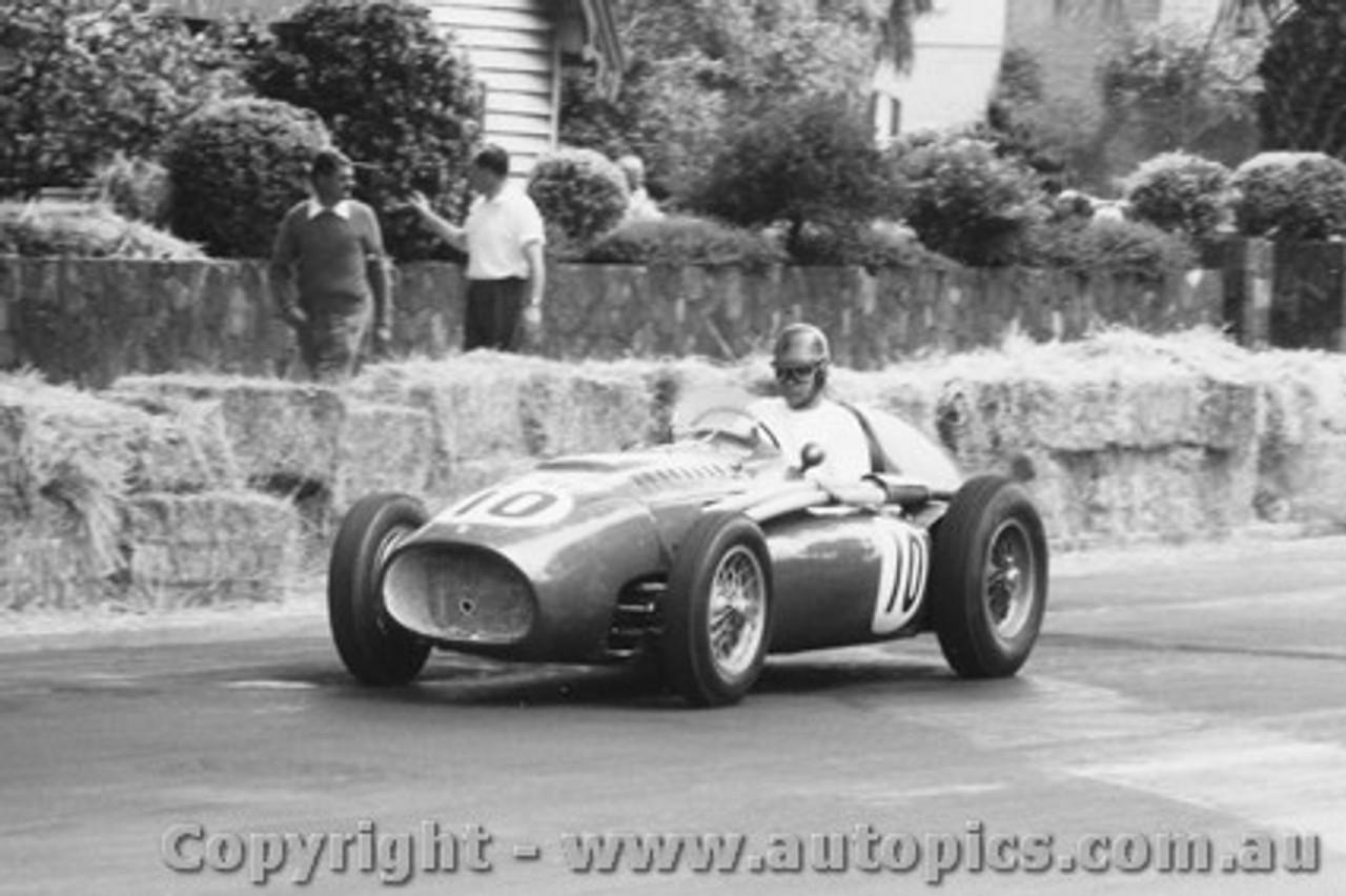 58543 - T. Clark - Ferrari -  Albert Park 1958 - Photographer Peter D Abbs