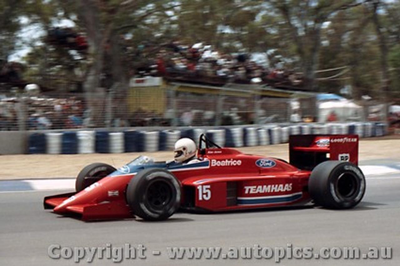 86509 - Alan Jones Beatrice - AGP Adelaide 1986 - Photographer Darren House