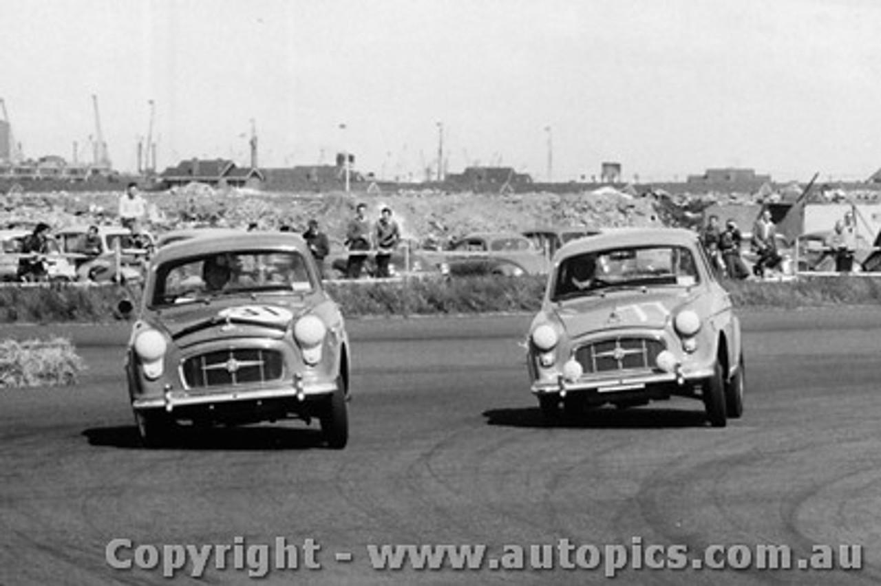 58017 - #31 - Morris Major - #77 - B. Burnett - Morris Major - Fishermen s Bend - 18th October 1958 - Photographer Peter D Abbs
