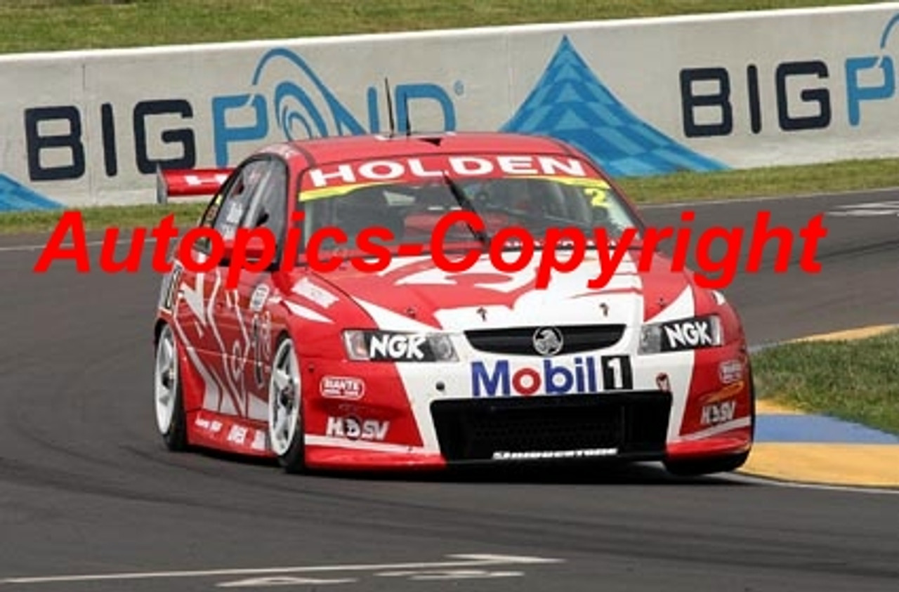 205729 - M. Skaife / T.  Kelly - Holden Commodore VZ - Ist Outright Bathurst 2005 - Photographer Craig Clifford