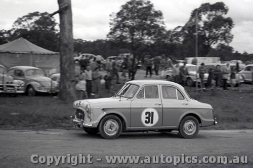 60904 - J. Russell Morris Major - Templestowe Hill Climb 25th September 1960 - Photographer Peter D Abbs