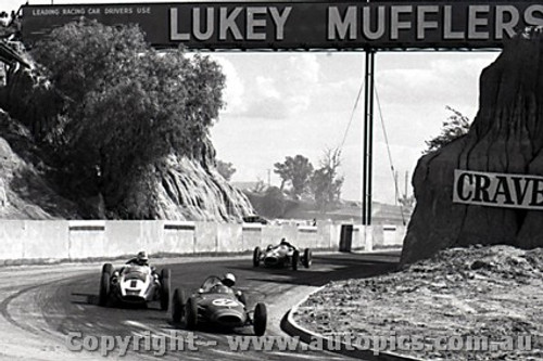 61528 - David McKay Lola / Roy Salvadori  Cooper Climax - Hume Weir - 13th March 1961 - Photographer Peter D Abbs