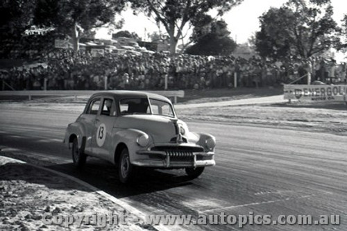 61539 - Bob Holden   Holden FJ  - Hume Weir - 13th March 1961 - Photographer Peter D Abbs