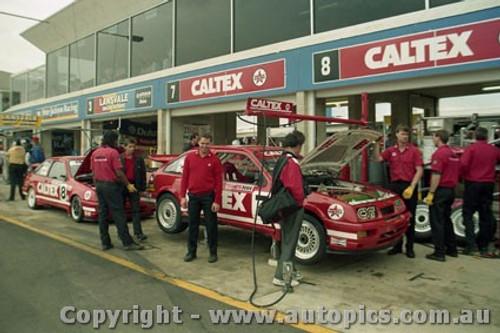 92732  - Colin Bond / John Smith - Ford Sierra RS500  -  Bathurst 1992 - Photographer Lance Ruting