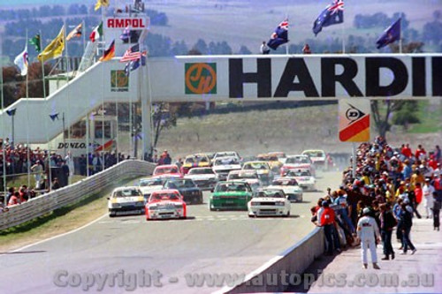 84700 - The Start - Bathurst 1984 - Brock/Commodore -  Fury/Nissan Bluebird - Johnson Falcon -  Photographer Lance J Ruting