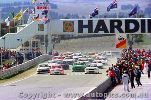84700a - The Start - Bathurst 1984 - Brock/Commodore -  Fury/Nissan Bluebird - Johnson Falcon -  Photographer Lance J Ruting