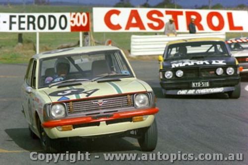71844 - Barry Arentz  Toyota Corolla 1200 - Bathurst 1971 - Photographer Jeff Nield
