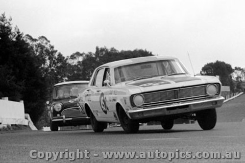 69128 - D. Yeates / N. Edwards -  Ford Falcon XT -  Sandown  1969 - Photographer Peter D Abbs