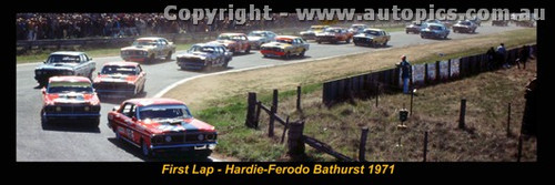 1971 First Lap - Hardie Ferodo 500 Bathurst - A Panoramic Photo 30x10inches.