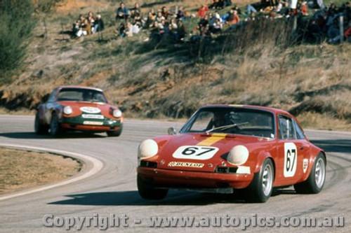 72321 - A. Hamilton & B. Brown Porche - Hume Weir 1972