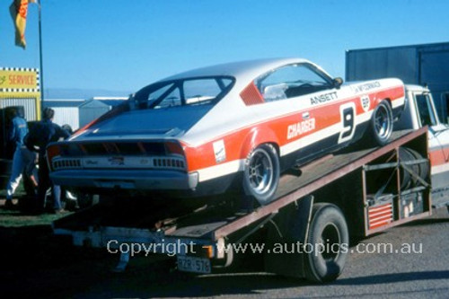74140 - J. McCormack Charger - Adelaide 1974  - Photographer Peter Green
