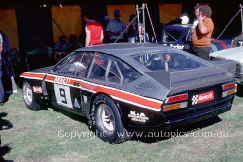81055 - Tony Edmondson Alfa Romeo Alfetta V8  - Adelaide  1981  - Photographer Peter Green
