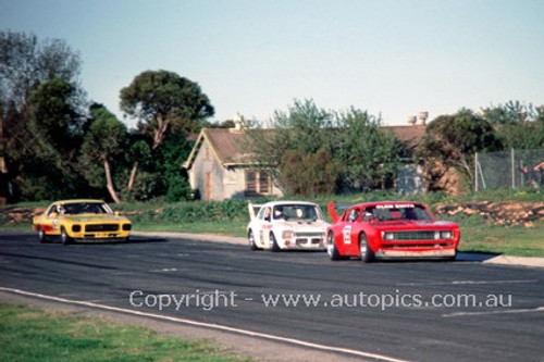83025 - Clem Smith , Valiant Charger  - Mallala  1983  - Photographer Peter Green