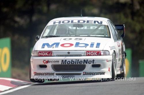 94741 - Peter Brock / Thomas Mezera, Commodore VP - Bathurst 1994 - Photographer Marshall Cass