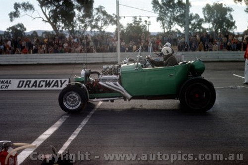 75904 -  Castlereagh Drags 1975 - Photographer Jeff Nield