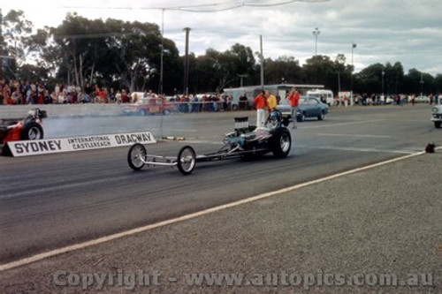 75906 -  Castlereagh Drags 1975 - Photographer Jeff Nield