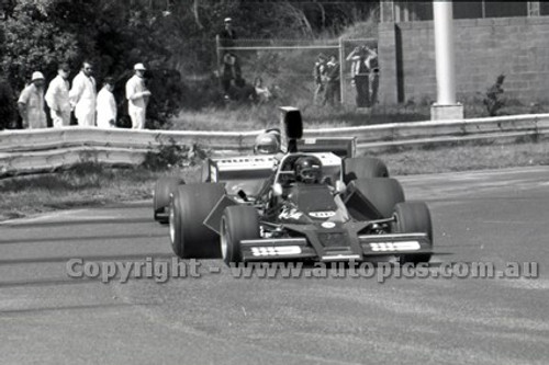 79645 - Kevin Bartlett, Brabham BT43 - Sandown 9th September 1979 - Photographer Darren House