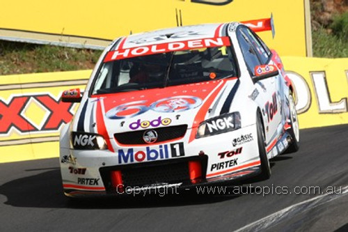 208738 - M. Skaife / G. Tander - Holden Commodore VE - Bathurst 2008