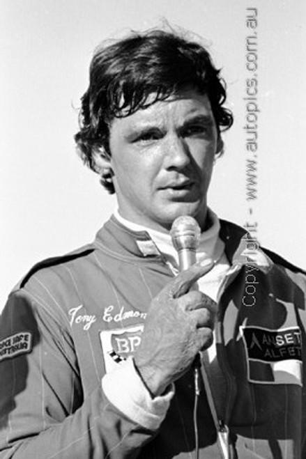 81067 -  Tony Edmondson - Sandown 1981 - Photographer Darren House