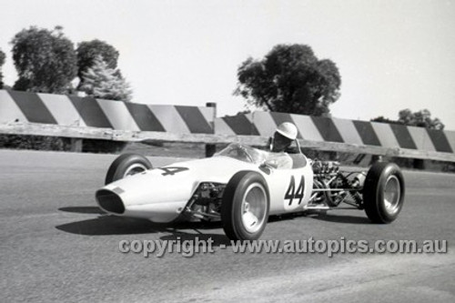 65555 - Eddy Clay, Elfin - Sandown Tasman Series   21st February 1965  - Photographer Peter D'Abbs