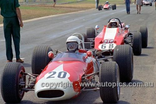 72525 - Bryan Hill, Brabham & John Edmonds, Aztec Formula Ford - Phillip Island 1972- Photographer Peter D'Abbs