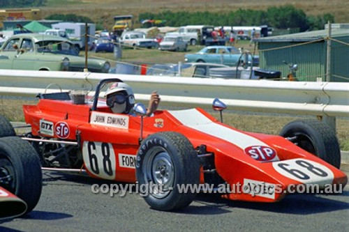 72528 - John Edmonds, Aztec Formula Ford  - Phillip Island 1972- Photographer Peter D'Abbs
