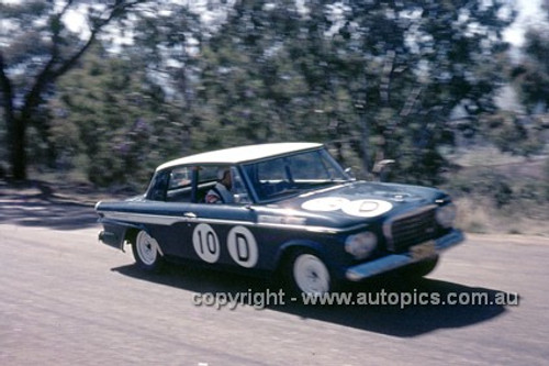 65771 - Warren Weldon & Bill Slattery, Studebaker Lark - Armstrong 500 Bathurst 1965 - Photographer Ian Thorn