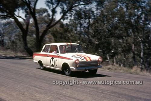 65775 - Bob Jane & George Reynolds, Ford Cortina GT500 - Armstrong 500 Bathurst 1965 - Photographer Ian Thorn