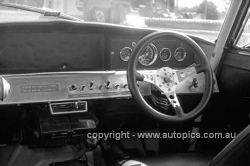 71275 - Jim Smith's Rover V8 - Warick Farm 1971 - Photographer Lance Ruting