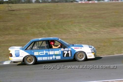 87041 - Graeme Hooley, Commodore VK - Oran Park 1987 - Photographer Ray Simpson