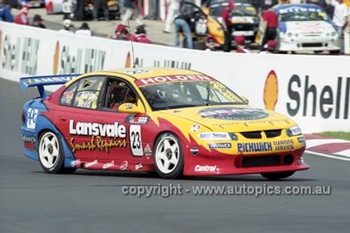 01732 - S. Reed & T. Ashby, Holden Commodore VS - Bathurst 2001 - Photographer  Marshall Cass