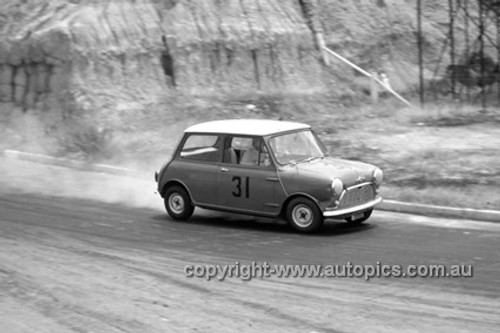 620030 -  Peter Manton, Morris 850 - Hume Weir 26th December 1962 - Photographer Bruce Wells.