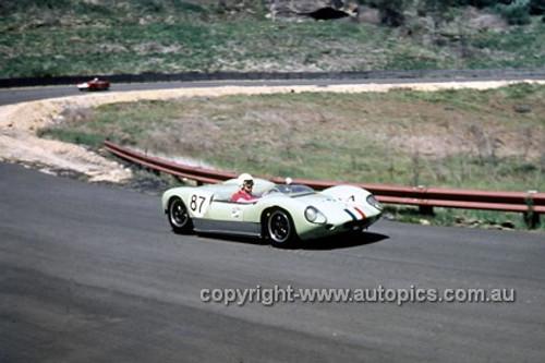 620066 -  Frank Matich, Lotus 19 - Catalina Park Katoomba  1962 - Photographer Bruce Wells.