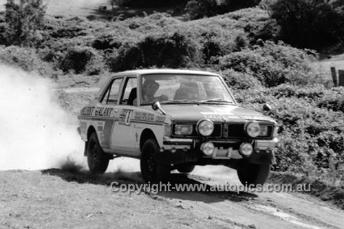 72920 - Doug Chivas & Peter Brown, Galant - KLG Rally 1972 - Photographer Lance J Ruting
