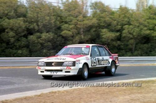 81069 - Peter Brock Commodore VC - Sandown 1981 - Photographer Peter D'Abbs