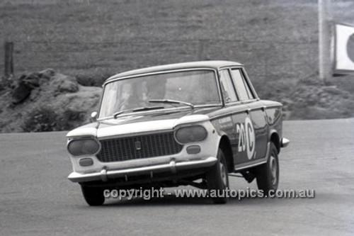 66747  -  Ron Kearns & Barry Quail, Fiat 1500 - Gallaher 500  Bathurst 1966 - Photographer Geoff Arthur